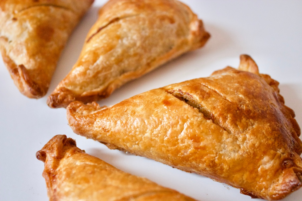 Leek puff pastry triangles *